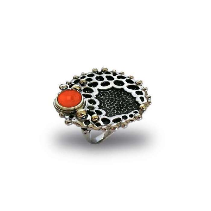 Silver ring with coral Tesoro Marino by Bohemme