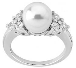 Silver ring with Majorica pearl Selene