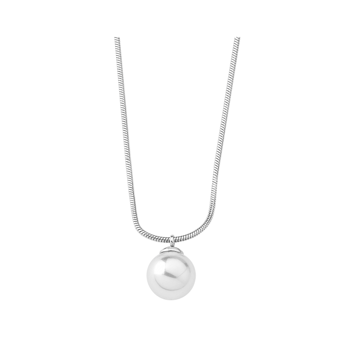 Girl with Majorica pearl Silver Nuada Pendant. Details