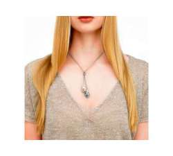 Girl with Silver necklace with Majorica gray pearls Tender